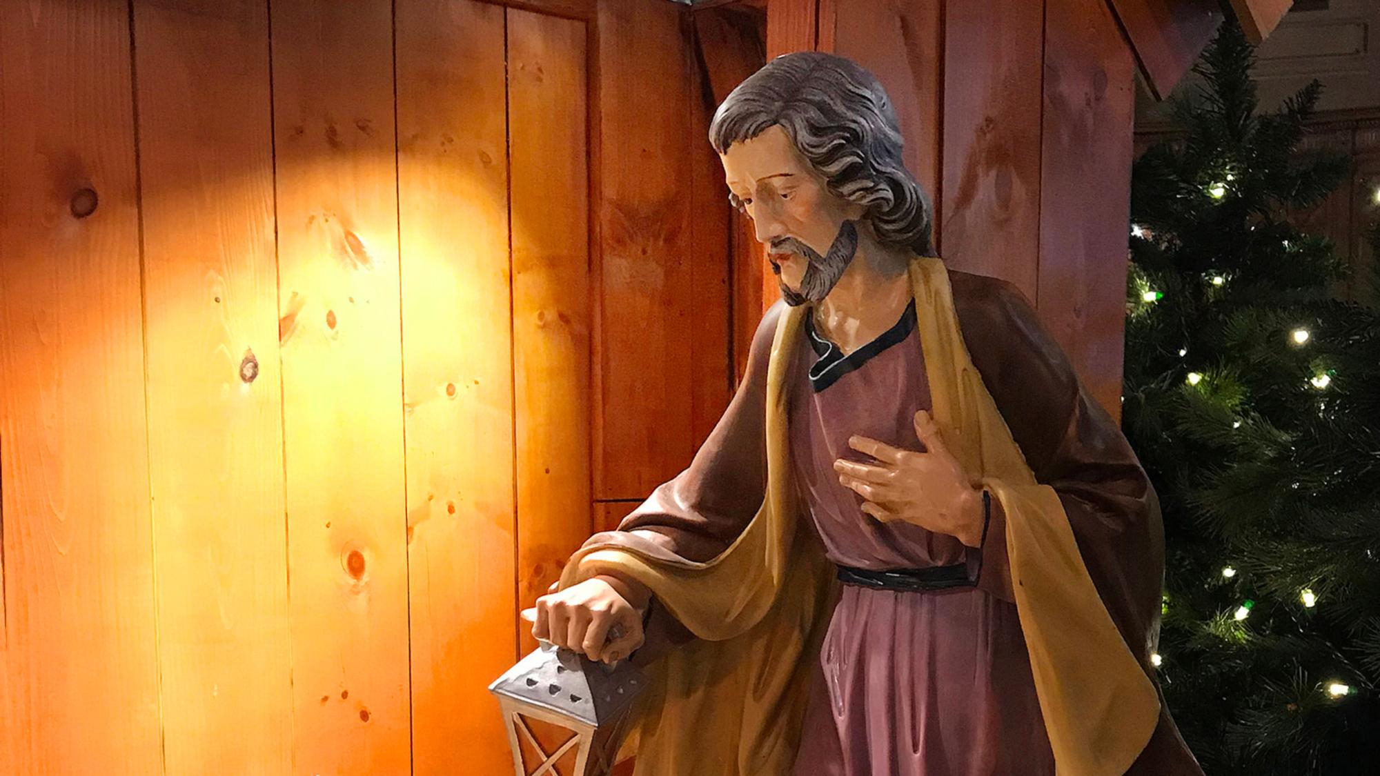 Le saint Joseph de la crèche