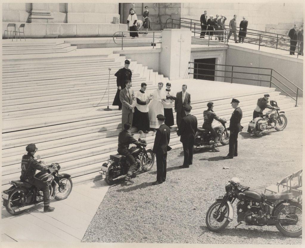 Bénédiction des cyclistes, le 13 mai 1956
