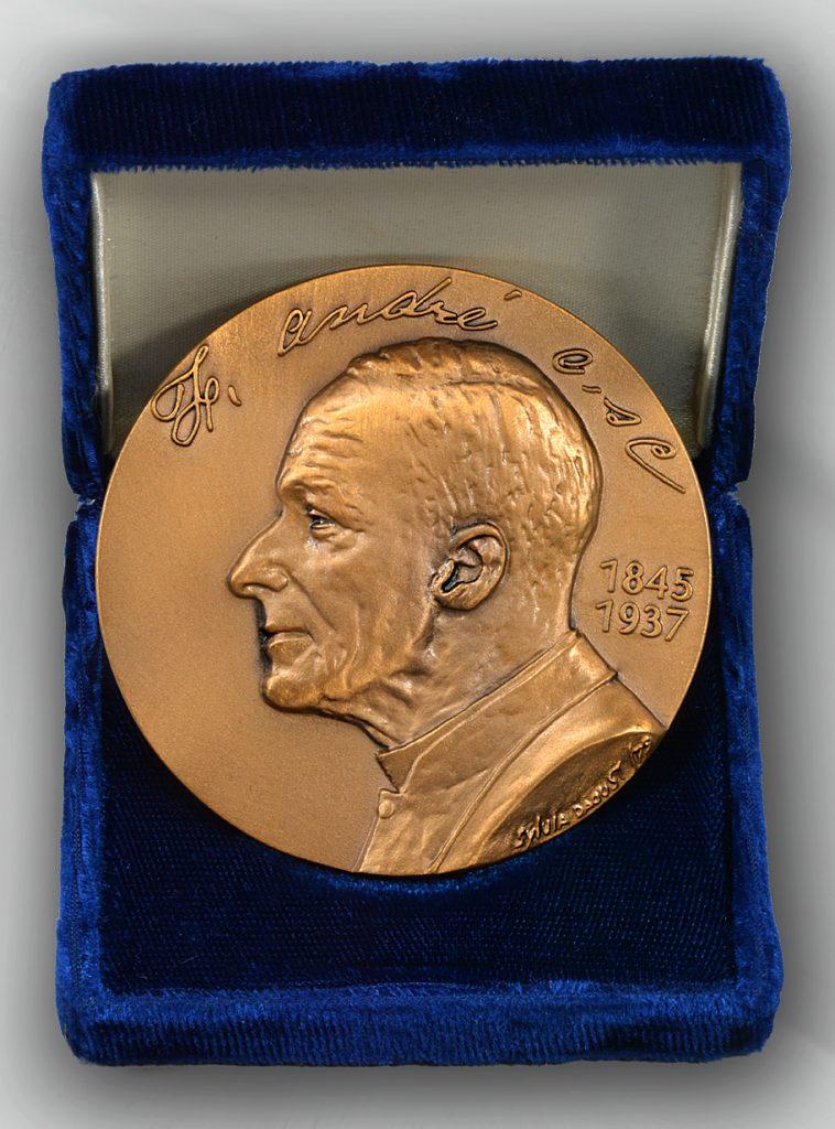 Médaille 75e anniversaire Oratoire
